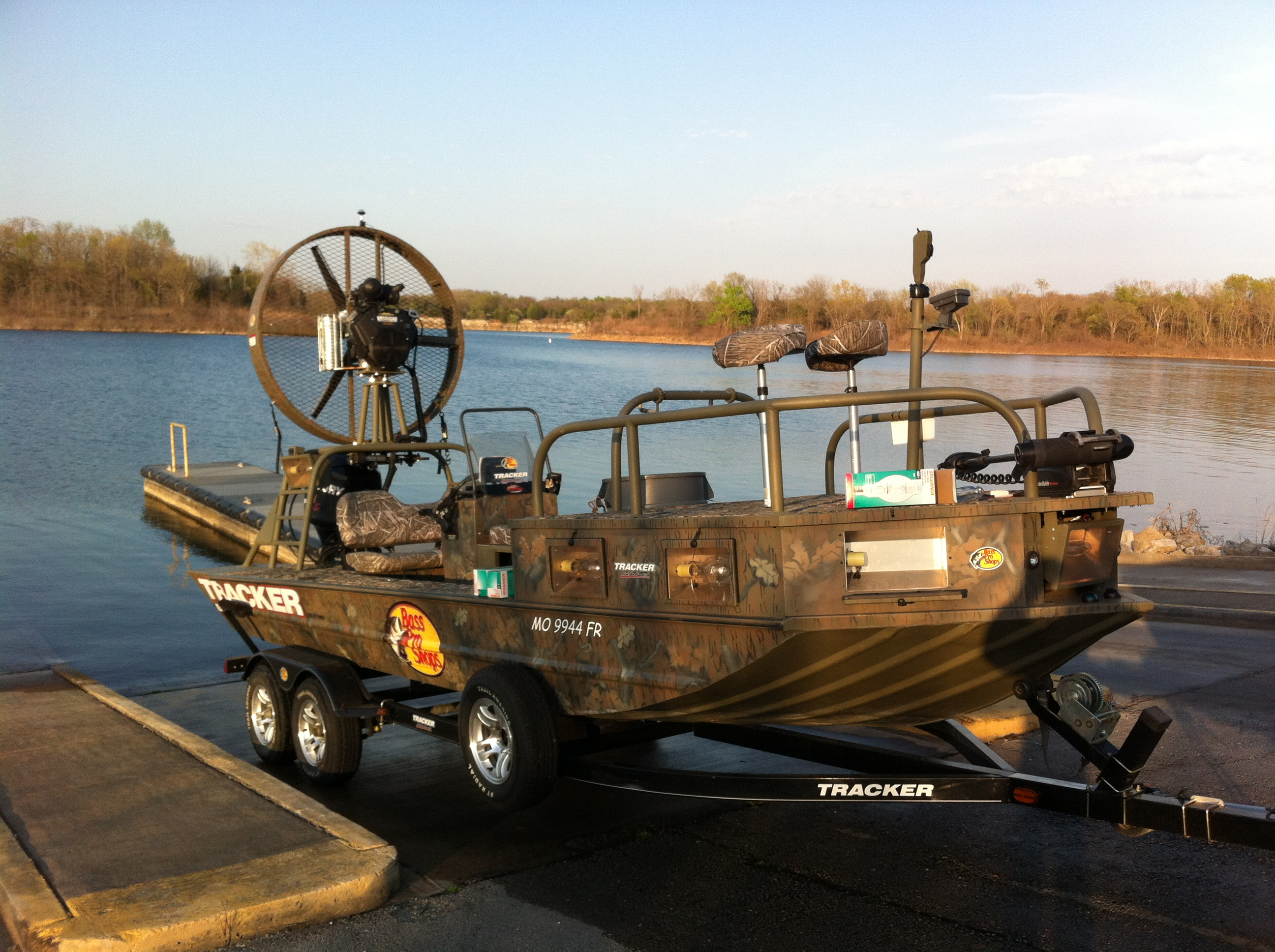 Bass pro shops news releases 1st annual u s open for Bow fishing boats