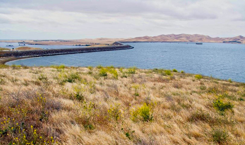 san luis reservoir and b f sisk dam